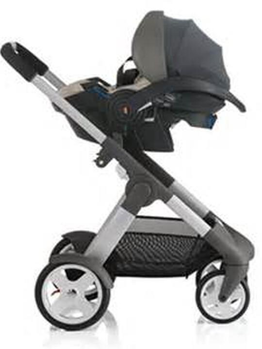 مقعد سيارة Stokke® iZiSleep من BeSafe - لون أسود image number 3